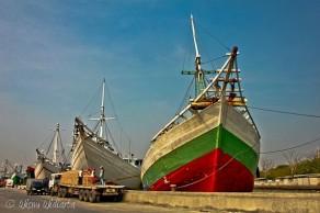 Ships @ Sunda Kelapa Harbour Jakarta Indonesia