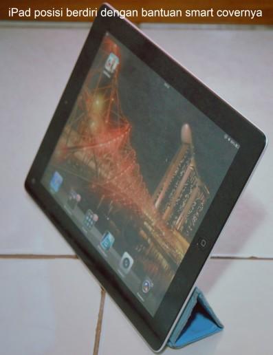iPad 3 berdiri