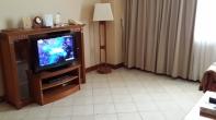 TV di Ruang Tamu
