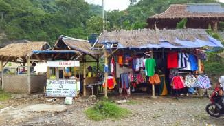 Tempat penjualan souvenir
