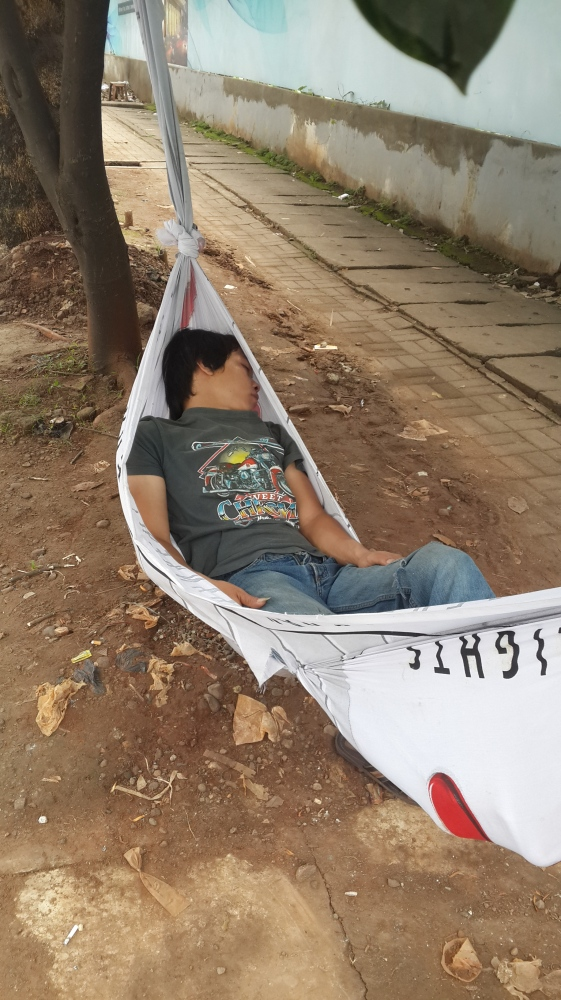 Phoneography Challenge, the Phone as Your Lens: Sleeping on A Hammock Wannabe