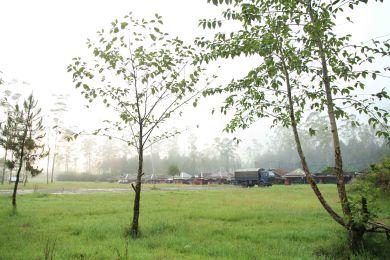 Lapangan depan warung