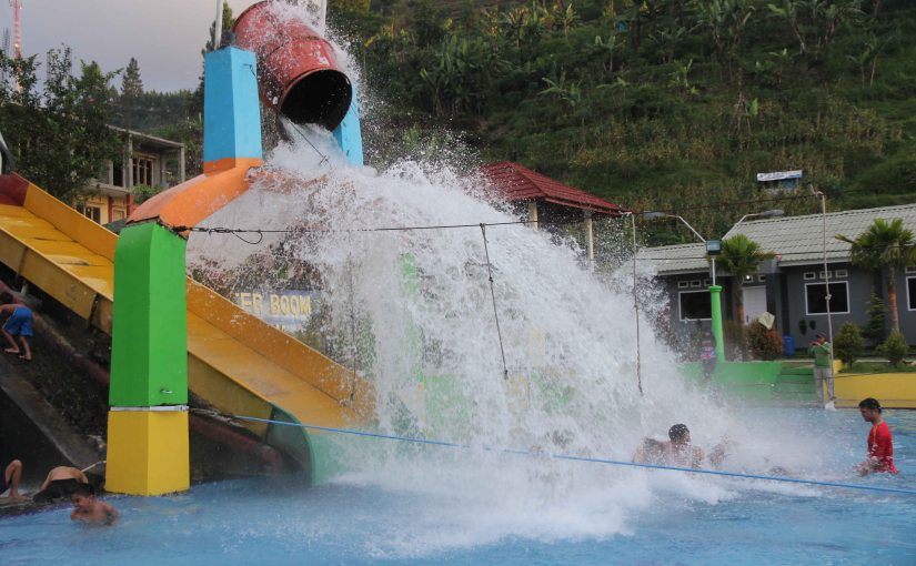 Hot Waterboom Guciku di Tegal
