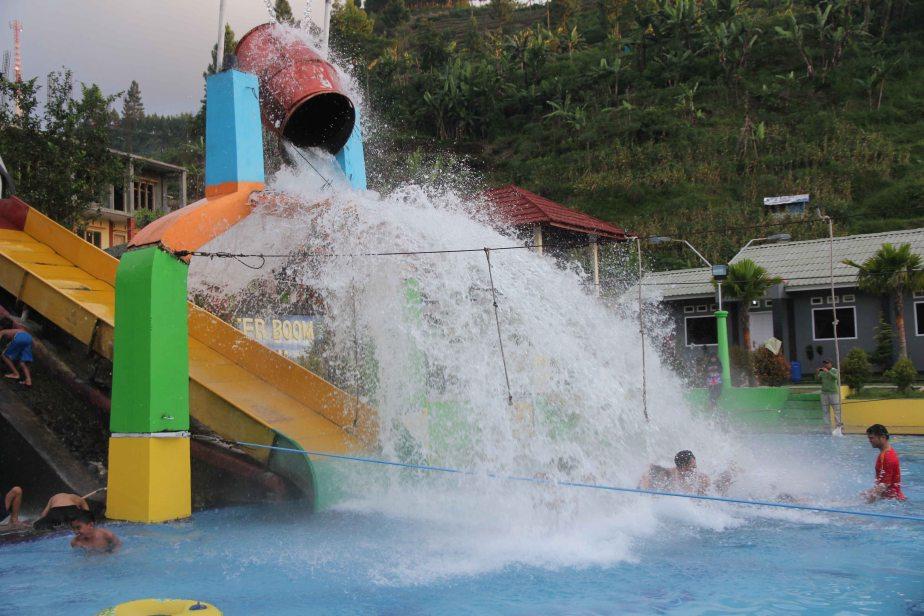 Hot Waterboom Guciku diTegal