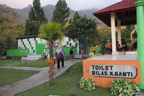 Toilet dan Bilas