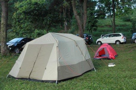 Tenda dari Belakang