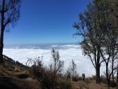Di atas awan