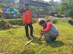 Mempersiapkan bambu