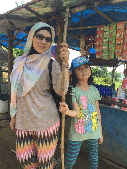 Aila dan Mamah