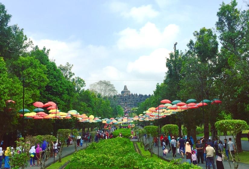 Wisata ke Keraton Solo dan CandiBorobudur