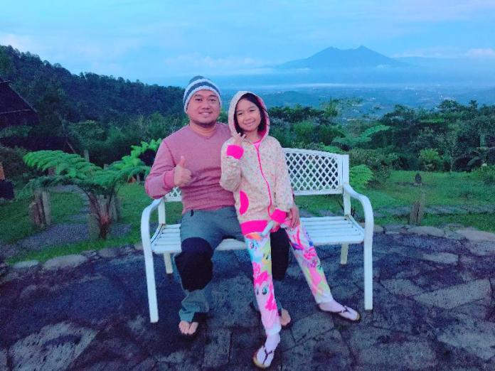 small_with_aila